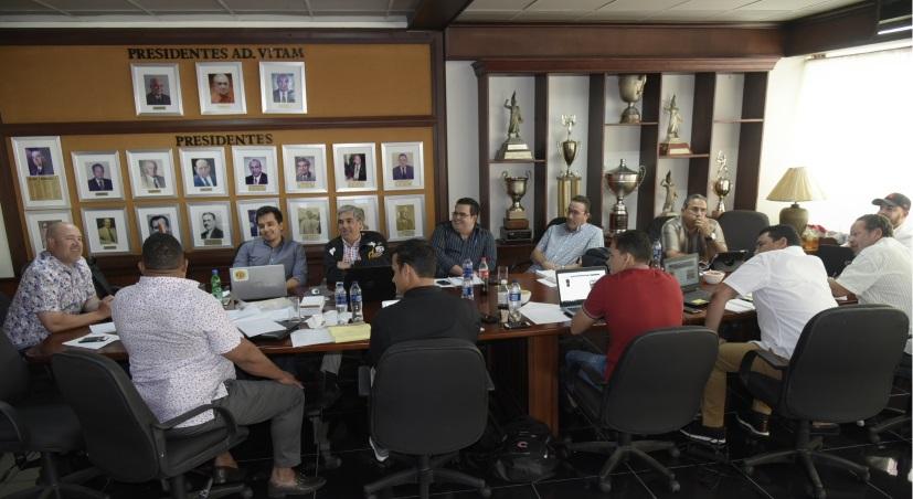 Aguilas seguirán con conexion cubana. John Camargo en el radar de aguiluchos.