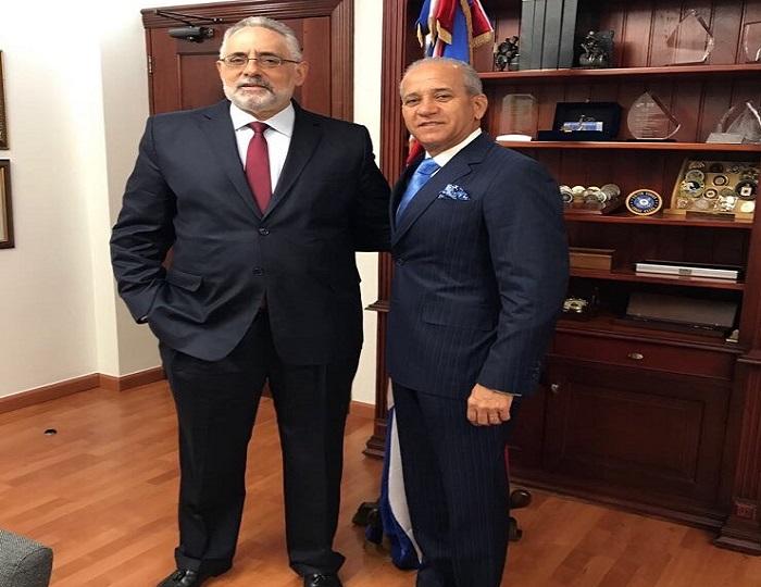 Presidente LIDOM se reúne con director DNI
