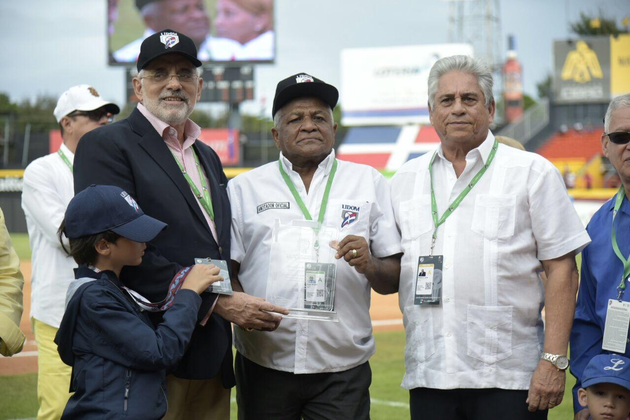 LIDOM reconoce a Rafael -Nakin- González