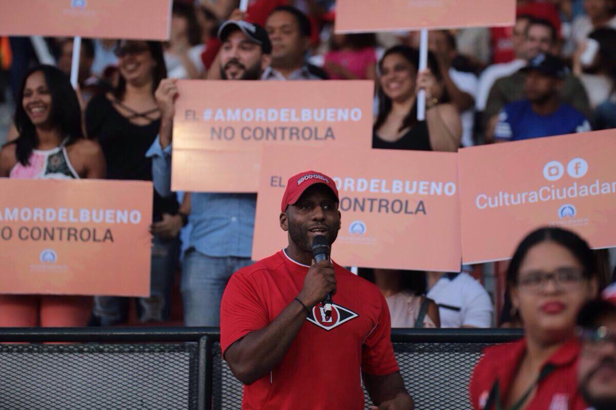 Vicepresidencia llama al cese de la violencia de pareja con escenificación en el Estadio Quisqueya