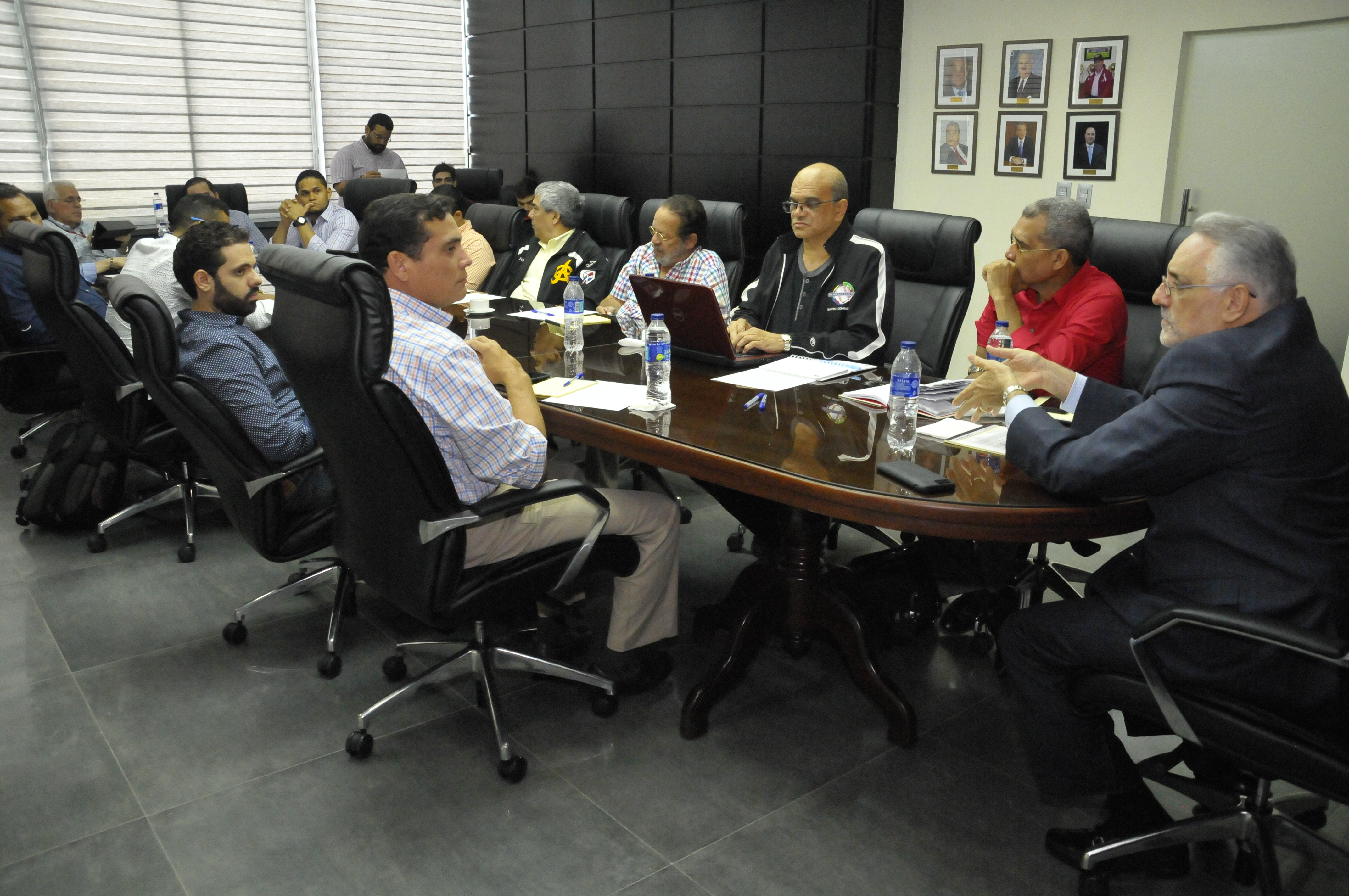 Lidom aprueba la contratación de árbitros importados y aumenta el número de refuerzos
