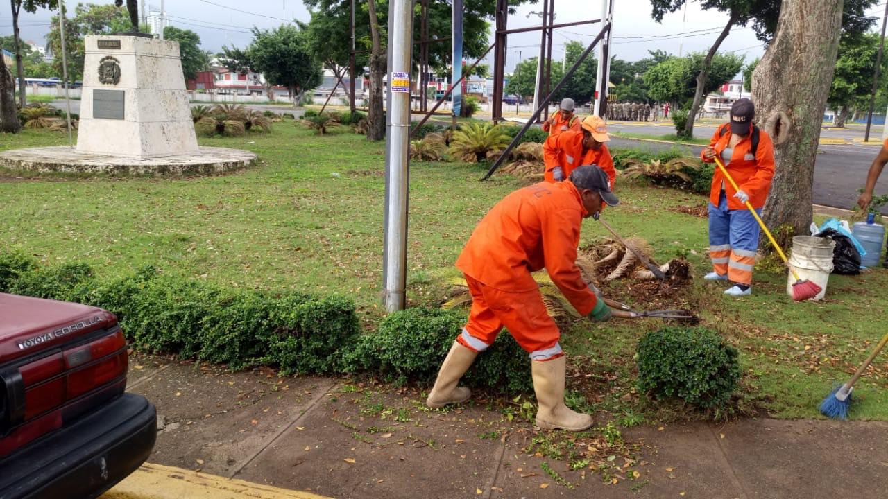 MOPC Inicia Trabajos de Remozamiento en el Estadio Quisqueya Juan Marichal