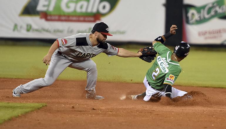 Emilio Gustave y Gustavo Núñez lideraron victoria de Estrellas sobre Leones