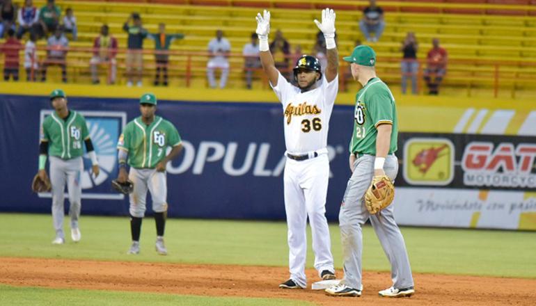 Luis Valenzuela guía triunfo de Águilas sobre Estrellas