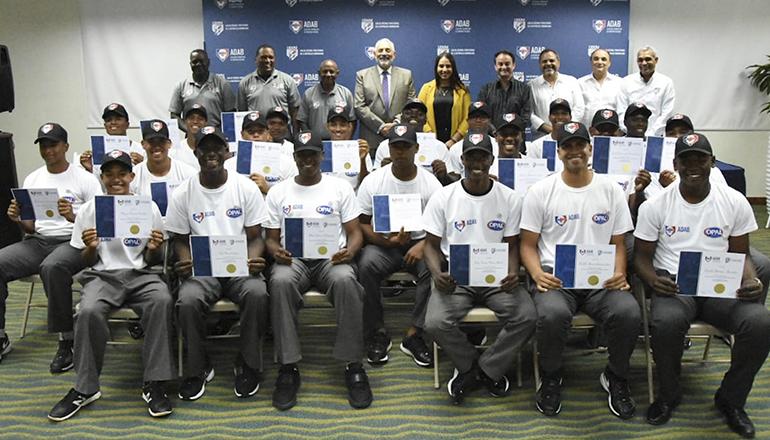 La ADAB gradúa 27 nuevos árbitros de béisbol