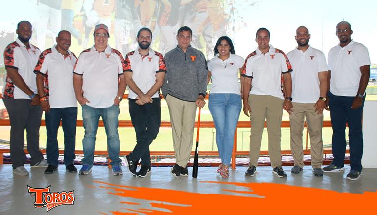 Raymond Abreu presenta reestructurado equipo Operaciones de Béisbol Toros del Este