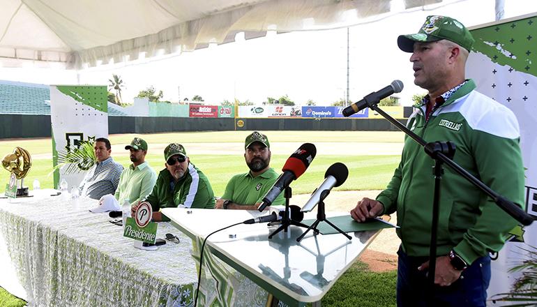 Manny Acta pide remodelar Tetelo Vargas; armará equipo competitivo