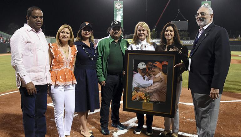 Las Estrellas y LIDOM realizan homenaje a Morales Troncoso