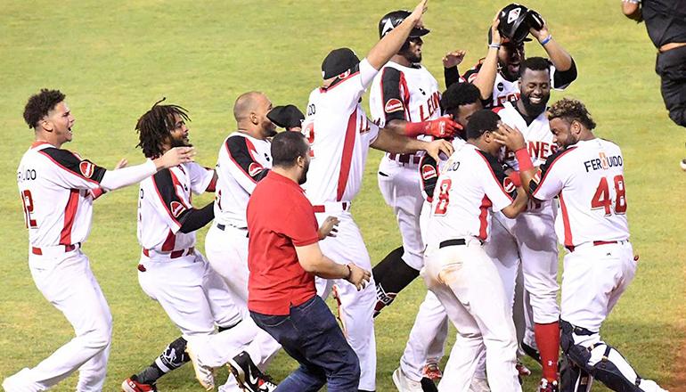 Melky Mesa decide triunfo de los Leones ante Tigres