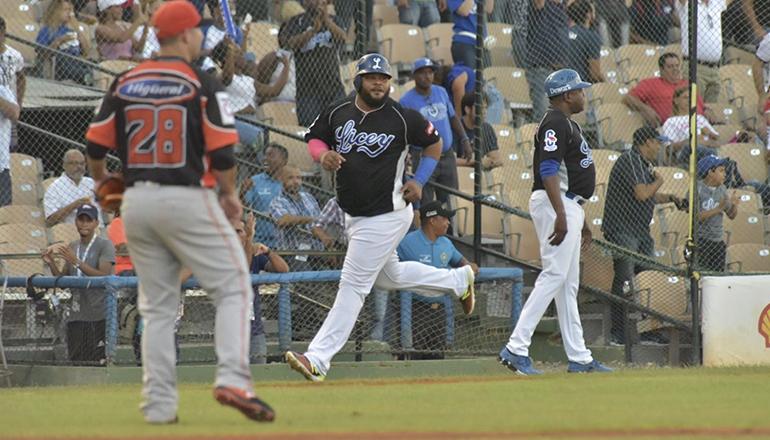 José De Paula limita ofensiva de Toros que caen ante los Tigres; Francisco H4, H2 y 2CE