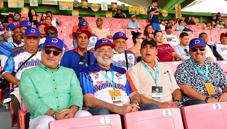 Samir Rizek presente con el equipo dominicano en Puerto Rico