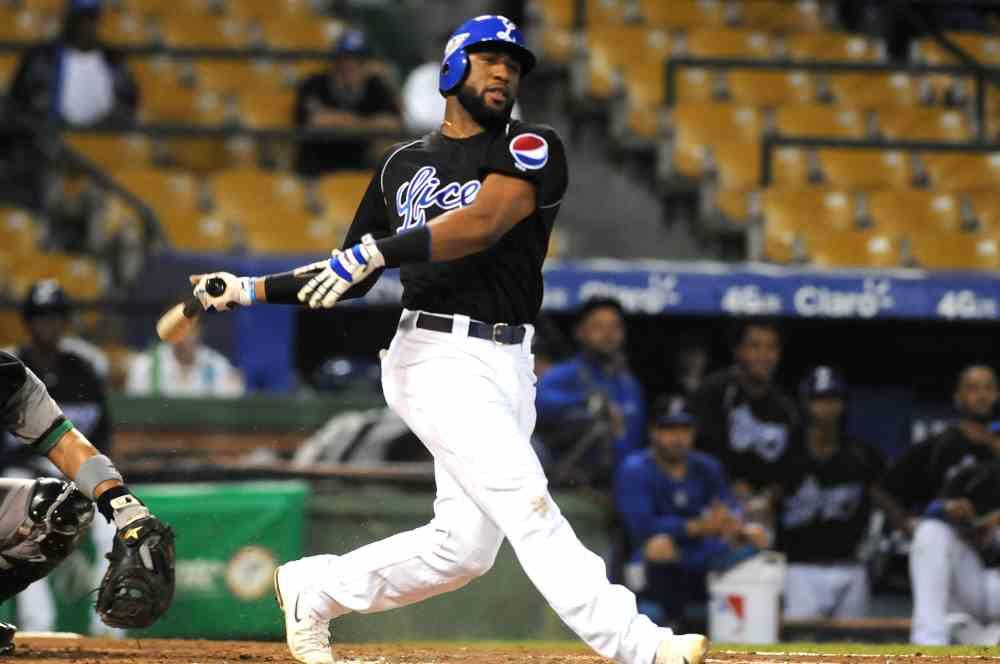 Mel Rojas aspira a la triple corona en béisbol de Corea