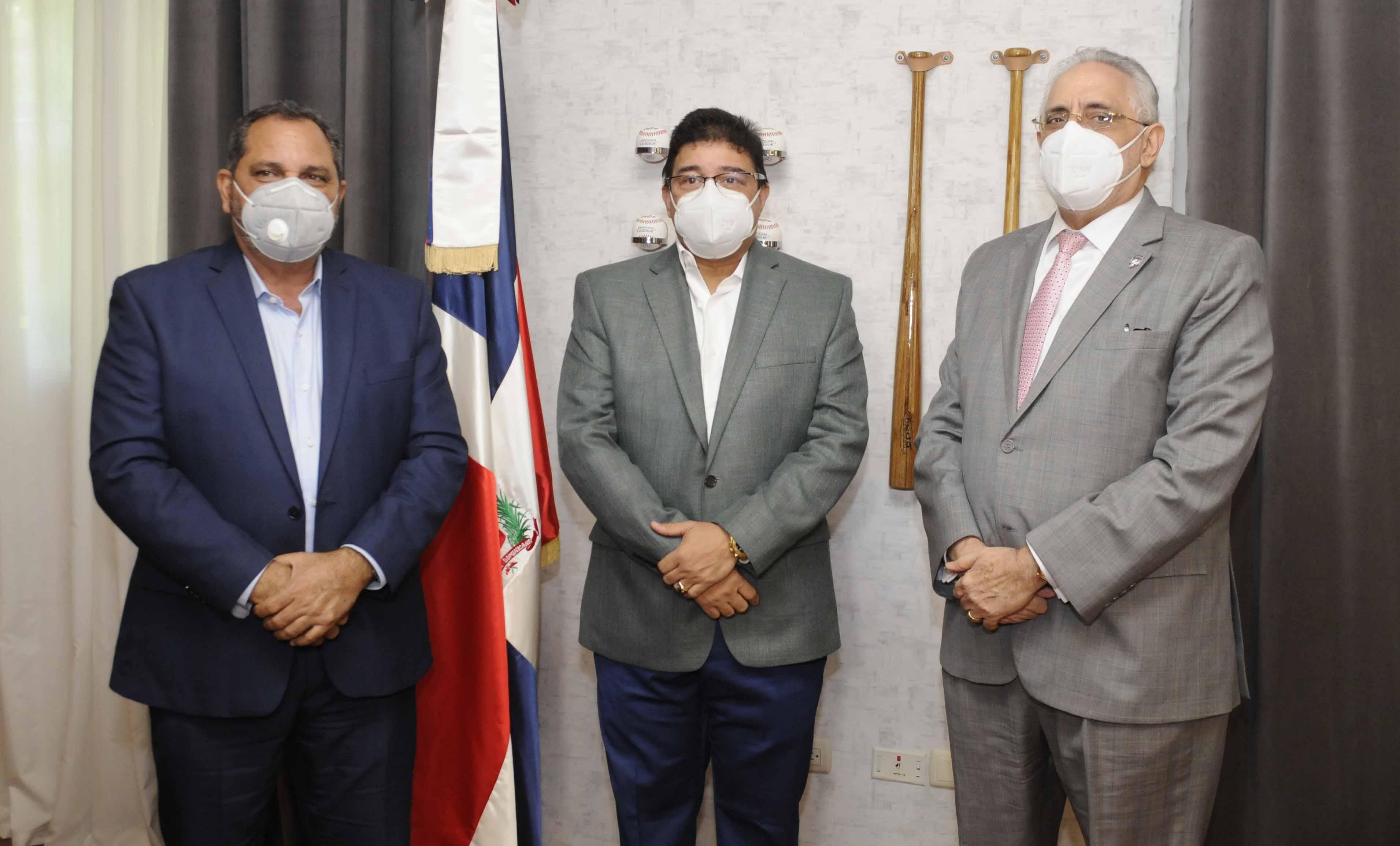 Ministro Camacho ofrece respaldo al campeonato de béisbol 2020-21