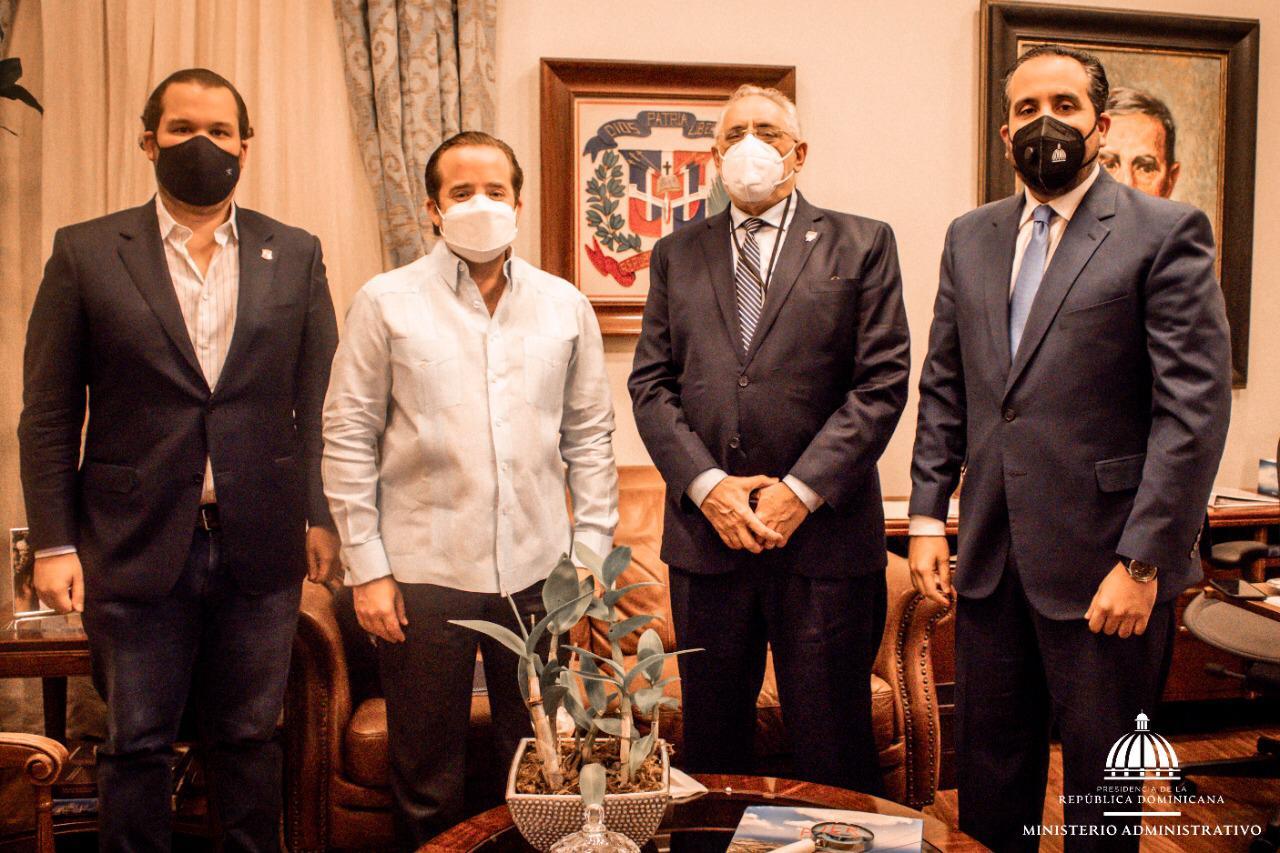Presidente de Lidom visita a Ministro Administrativo José Paliza
