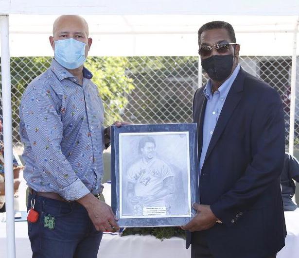 ImpActaKids inaugura estadio en Santa Fe; Acta reconoce a George Bell