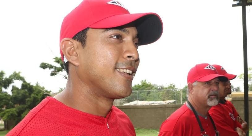 Luis Rojas contento por el ambiente de integración que reina en el Escogido