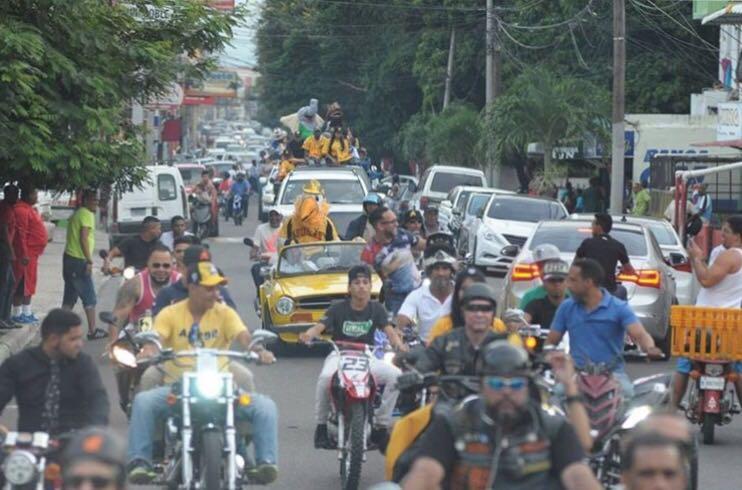 Caravana LIDOM moviliza las calles de Santiago