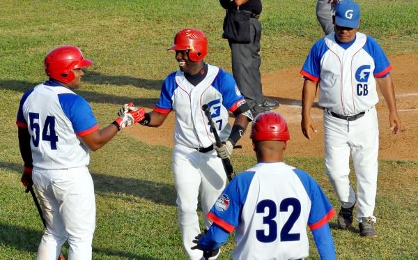 Granma-Industriales, fútil lucha por tercer puesto en béisbol cubano