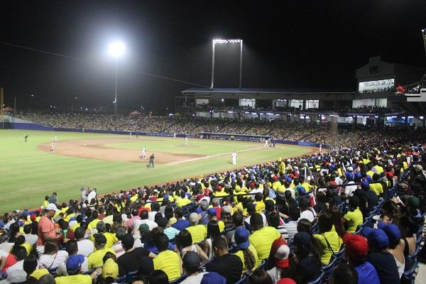 Colombia se impuso a Dominicana 5 por 3