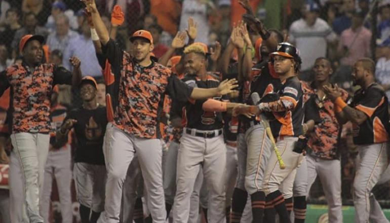 Toros del Este se proclaman campeones nacionales; vencen Tigres 7-1; Candelario el JMV