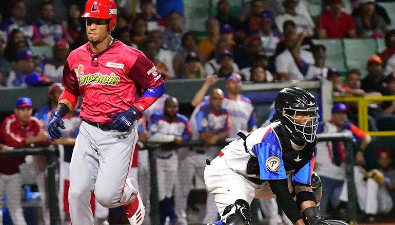 Venezuela supera a RD (Toros) en la Serie del Caribe 2020; Apodaca remolca 2 carreras