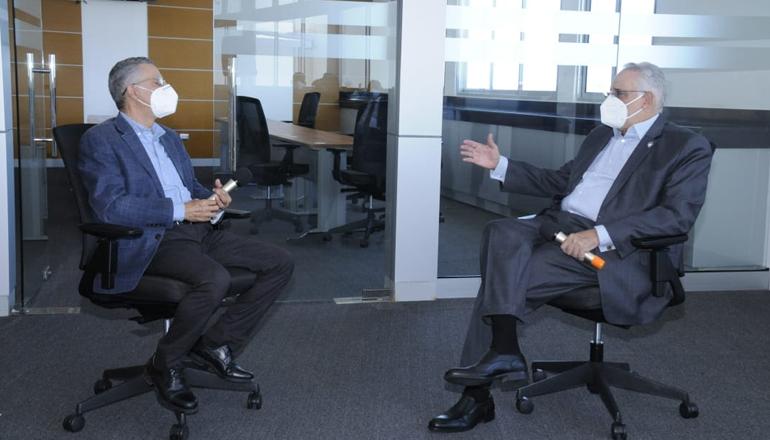 Presidente de Lidom se reúne con alcalde de SDE, Manuel Jiménez