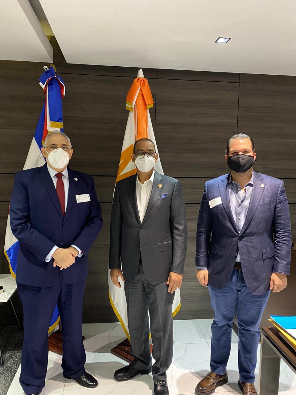Presidente de Lidom visita a Ministro de Obras Públicas