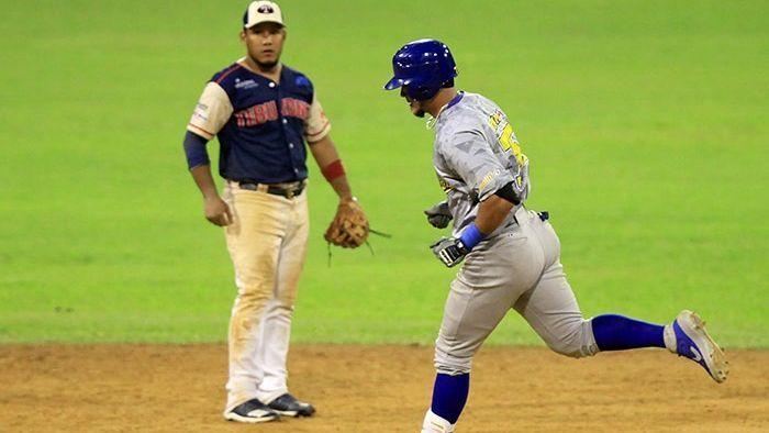 Caribes barre en doble jornada a Águilas y mantiene cima de división central de Liga Venezolana