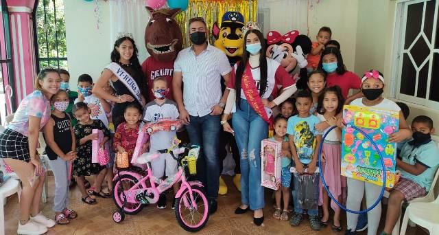 Madrina Gigantes entrega juguetes a niños sectores y comunidades necesitadas